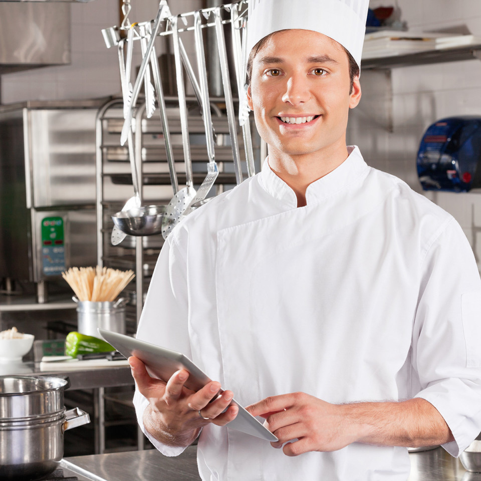 Cuoco utilizza ORBITA per gestire il sito web e gli ordini del suo ristorante